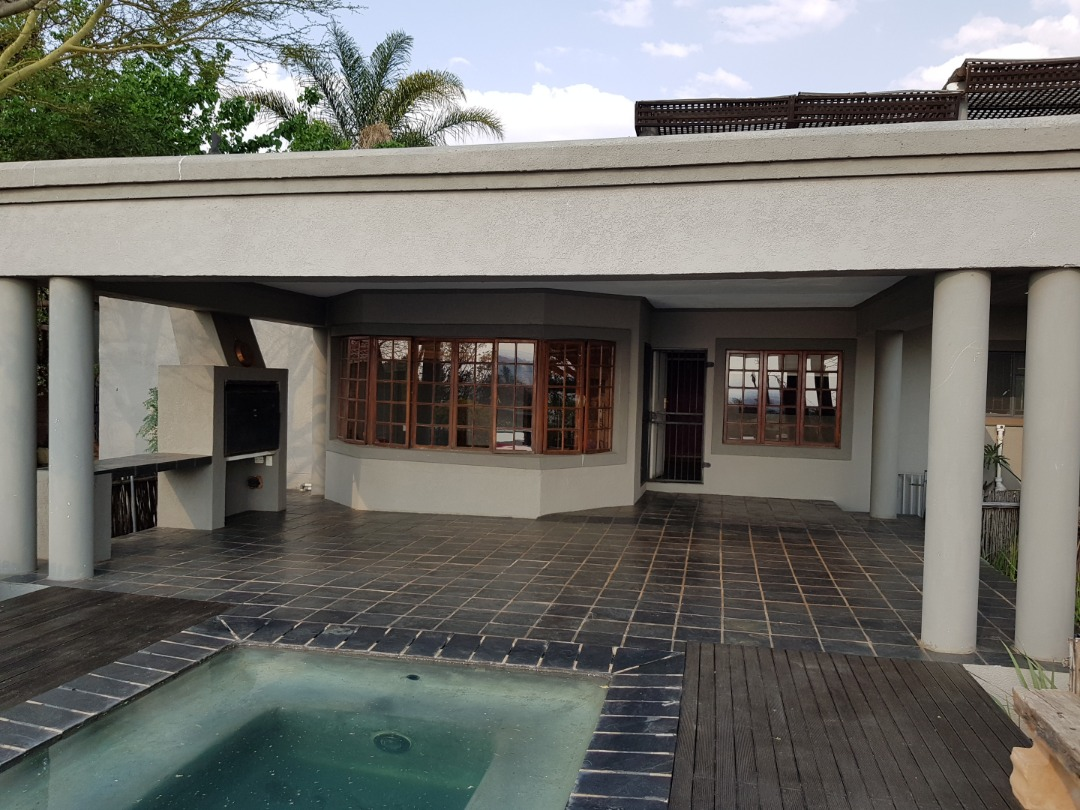 Beautiful 4 Bedroom House in Erasmus Rand