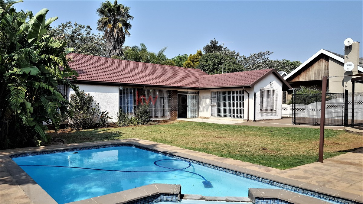 3 BedroomHouse For Sale In Randhart
