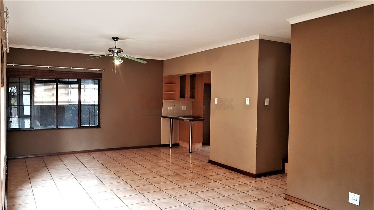 3 Bedroom House for sale in South Crest ENT0086991 : photo#2
