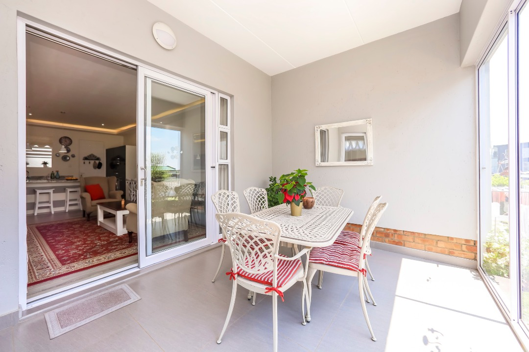 Garden Apartment In Exclusive Over 50's Estate