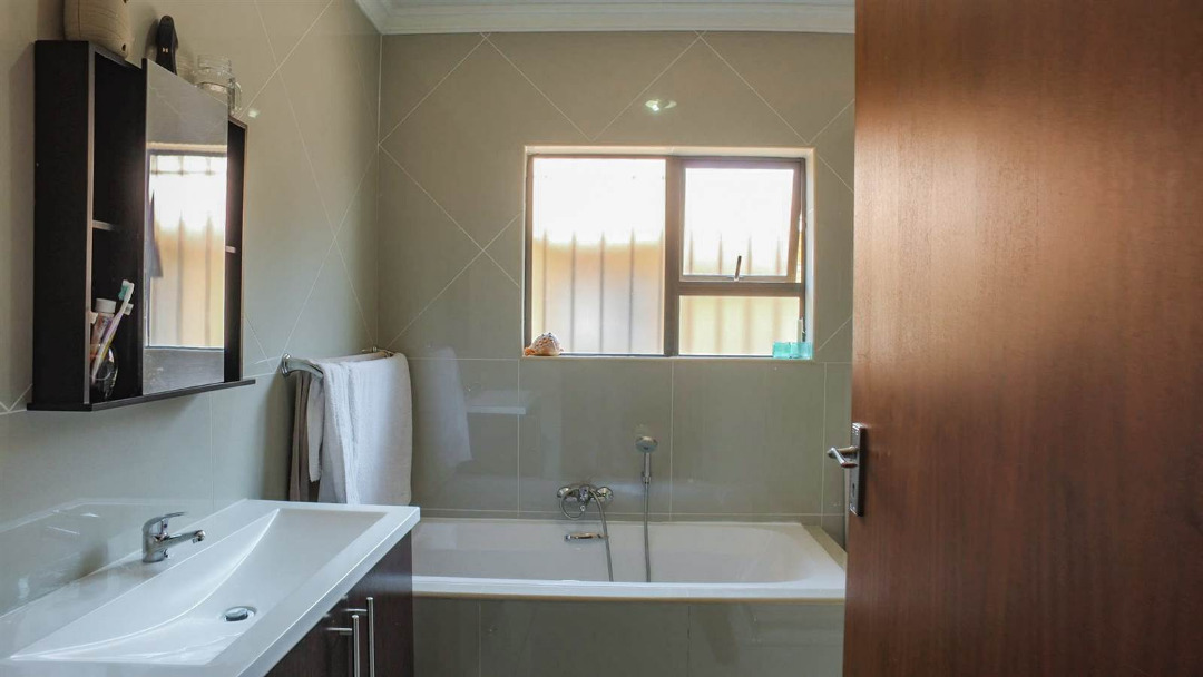 3 Bedroom Cluster for sale in New Redruth ENT0091737 : photo#20