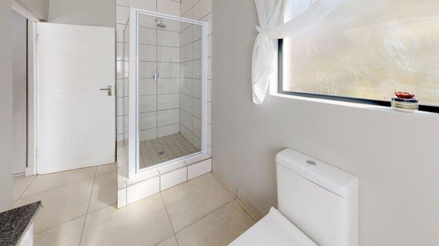 385-Cork-Ave-Security-Development-in-Ferndale-for-sale-By-ANTON-TROMP-KW-Clockwork-Bathroom.jpeg