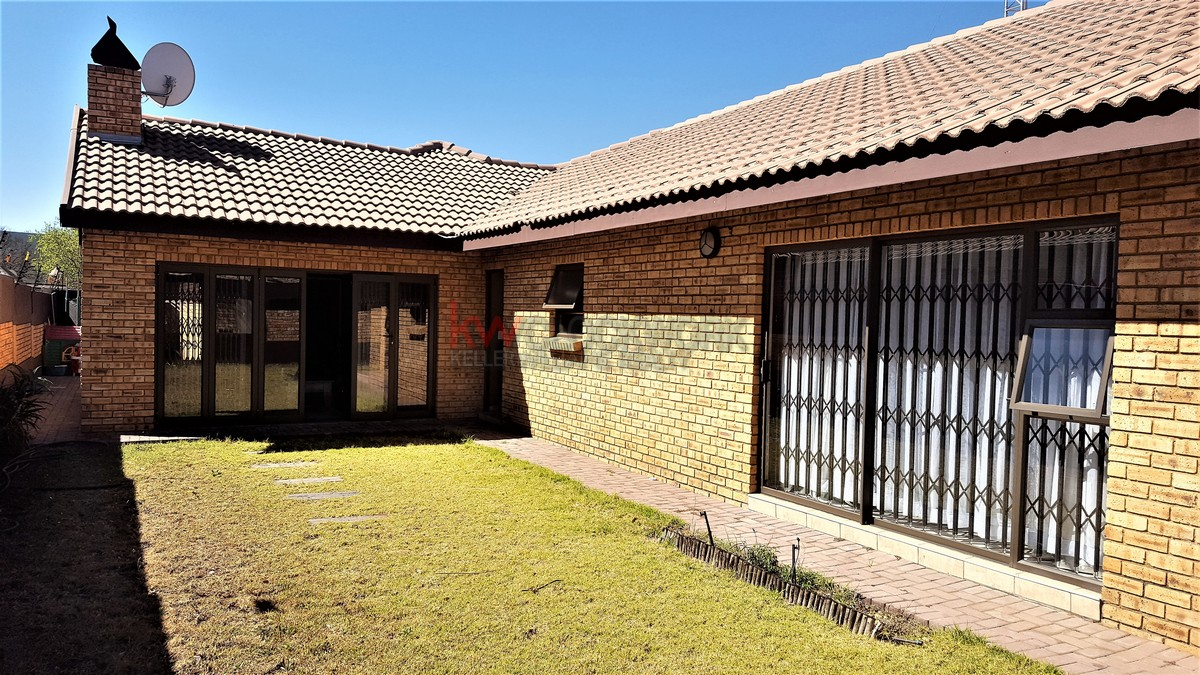 3 Bedroom Townhouse for sale in New Redruth ENT0055405 : photo#18