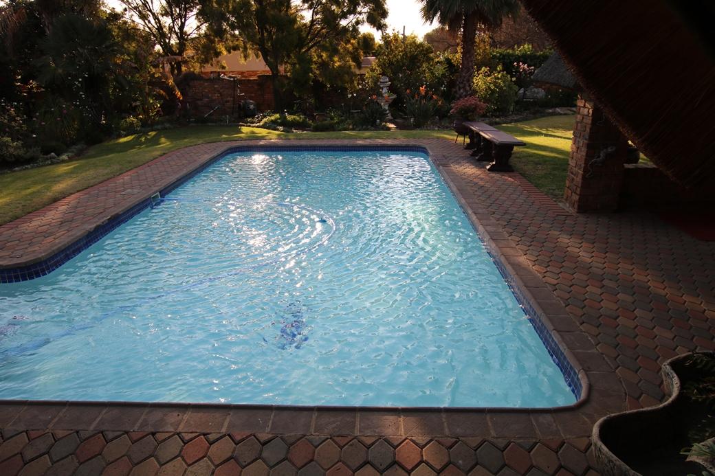 5 BedroomHouse For Sale In Kanonkop