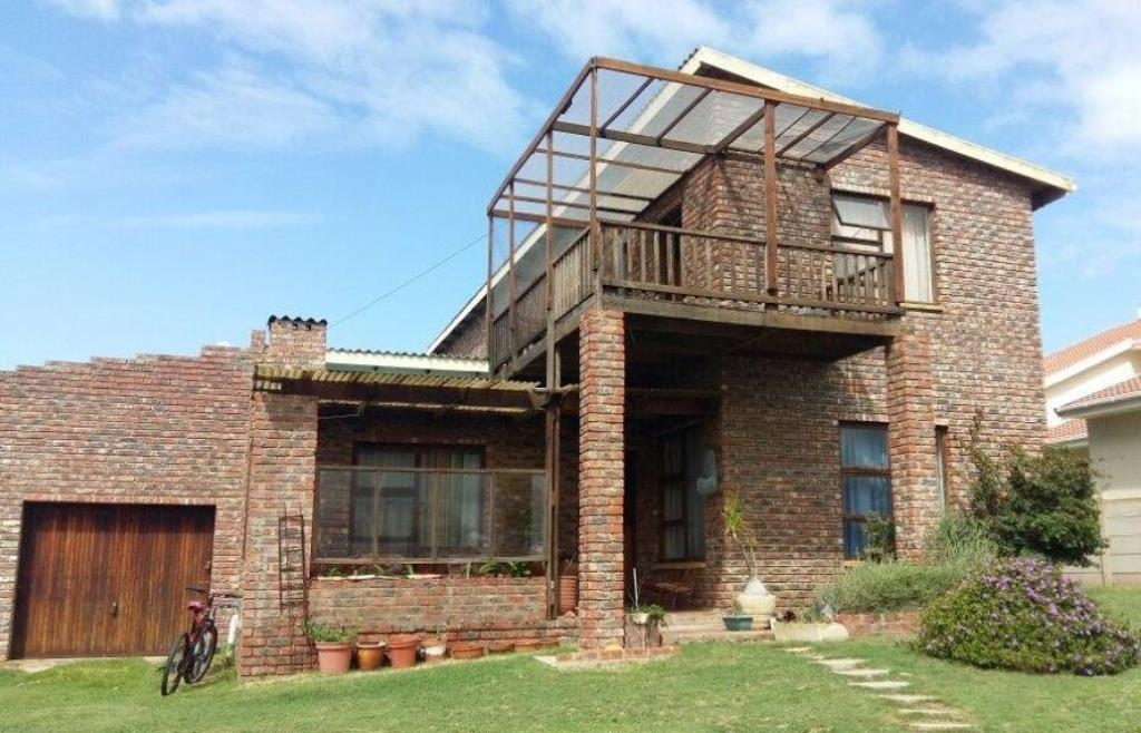 6 BedroomHouse For Sale In Gouritsmond