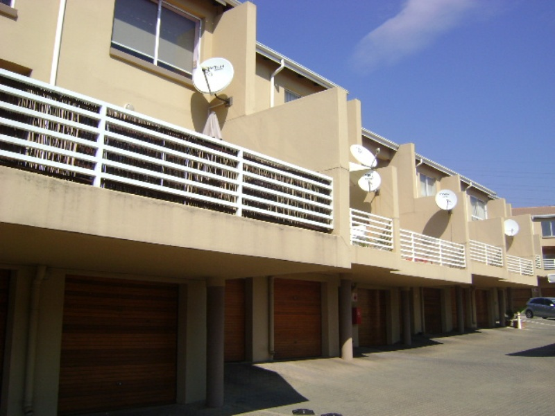 3 BedroomTownhouse For Sale In Bedford Gardens