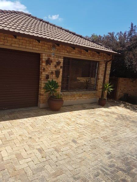 3 Bedroom Townhouse for sale in Amberfield Manor ENT0080551 : photo#0