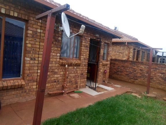 Two Bedroom house in Crescent Soshanguve VV