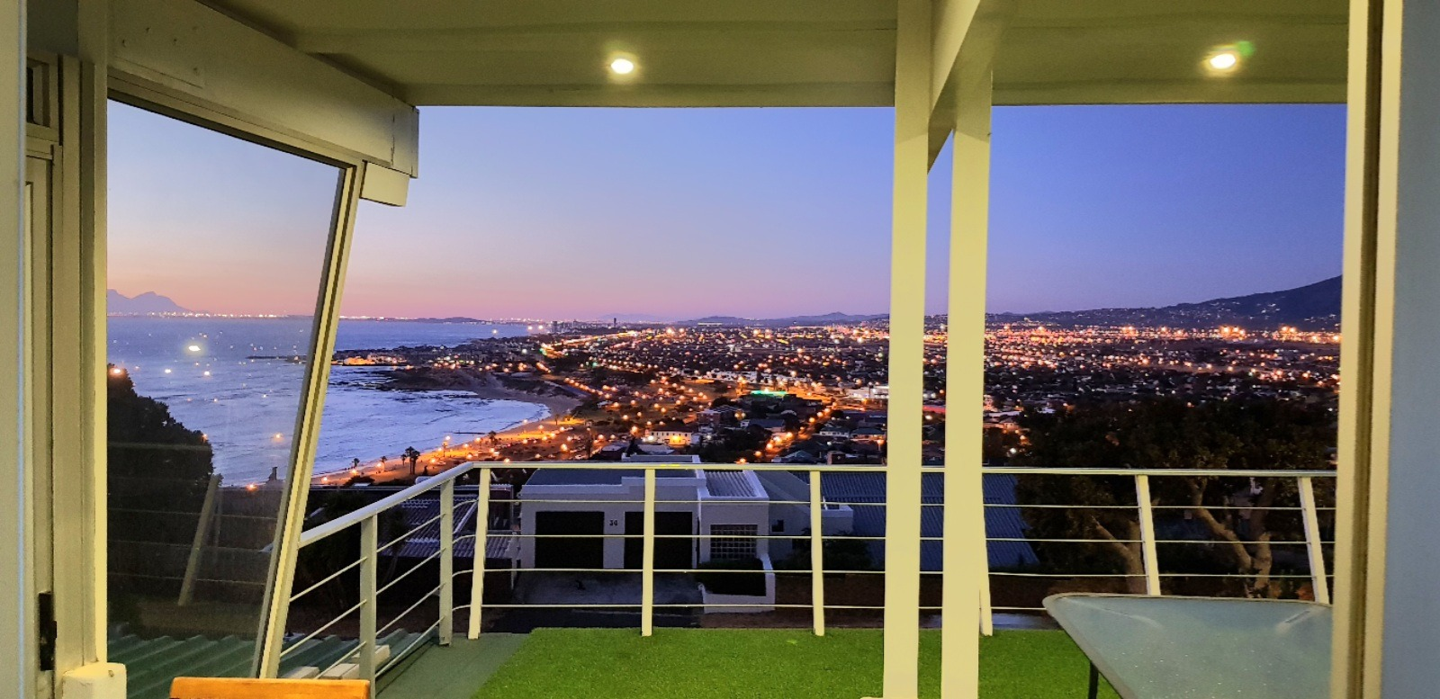 CHARMING FAMILY HOME WITH AWESOME VIEWS