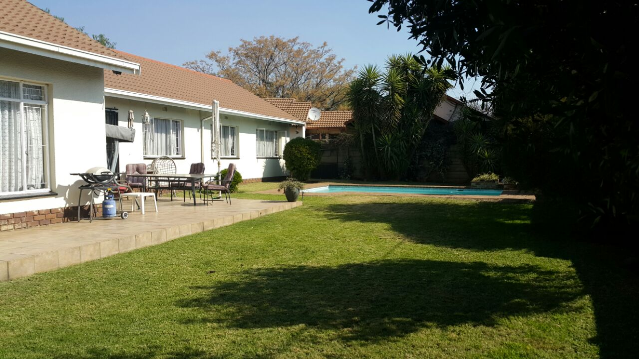 3 BedroomHouse To Rent In Randhart