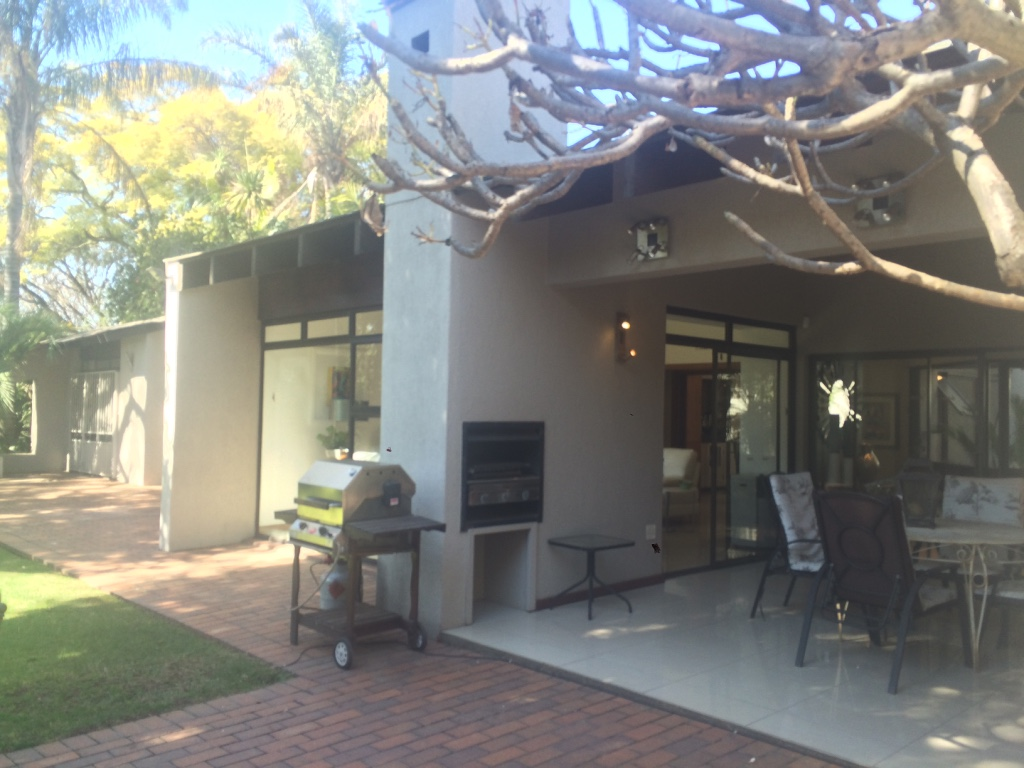 5 BedroomHouse For Sale In Atholl