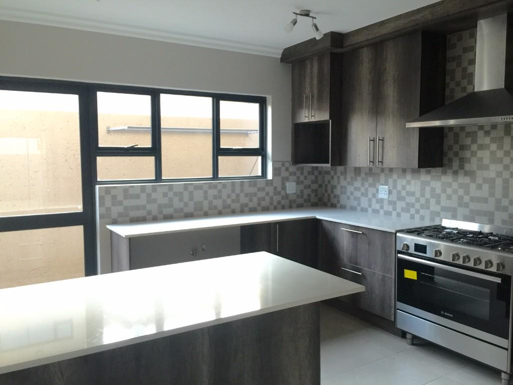 4 Bedroom House for sale in Olympus A H ENT0016440 : photo#2