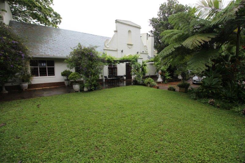 6 BedroomHouse For Sale In Hillcrest