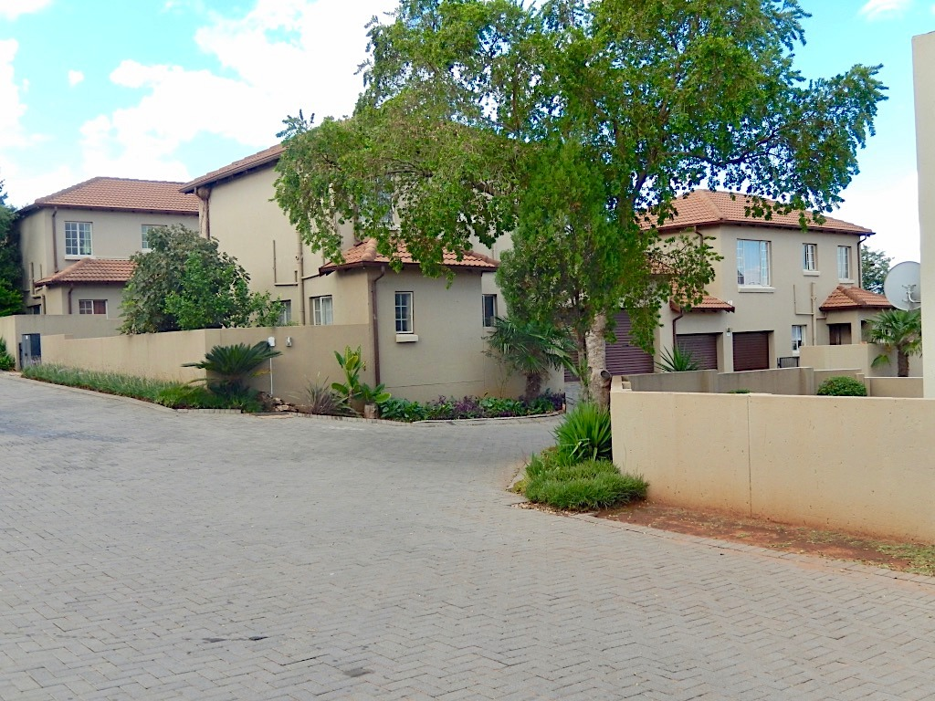 Tenant in place HIGHVELD - Investors Choice