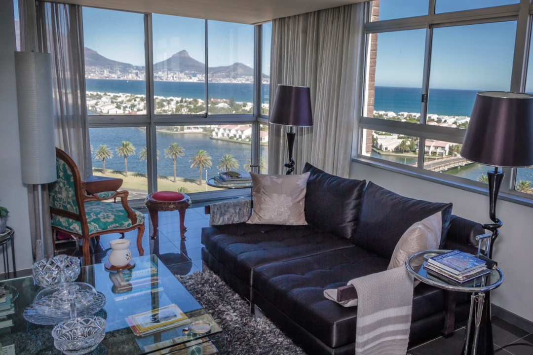 Spectacular views of Table Mountain and the Atlantic Ocean