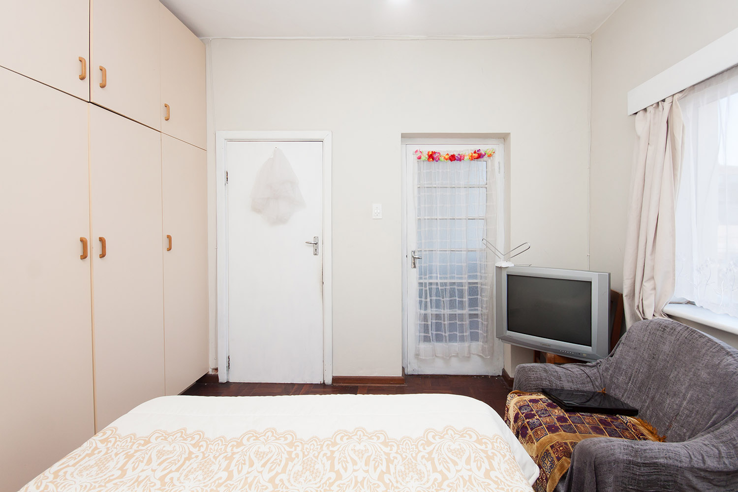 2 Bedroom Apartment pending sale in Humewood ENT0048095 : photo#4
