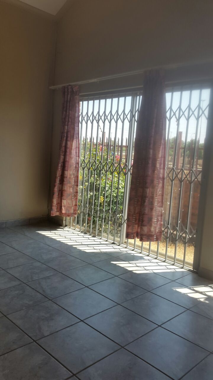 3 Bedroom Townhouse for sale in Glenvista ENT0067822 : photo#8