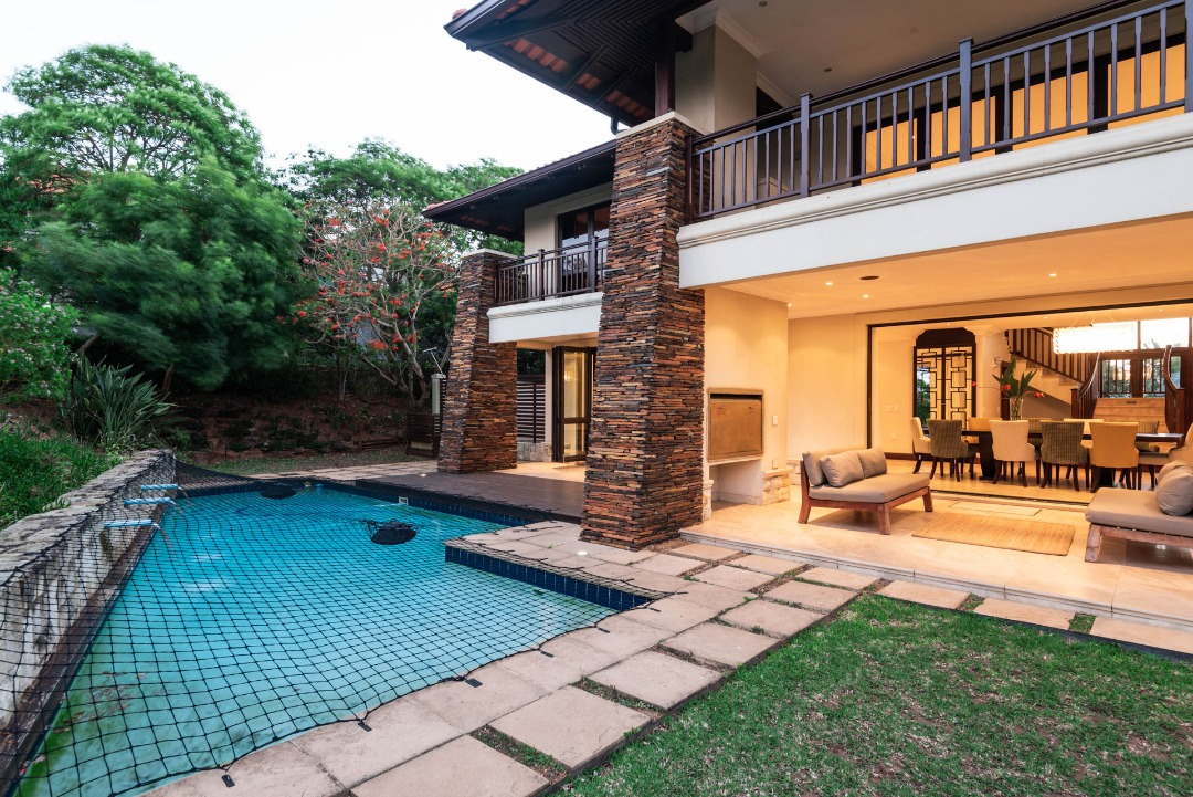 HOUSE WITH FAIRWAY FRONTAGE IN ZIMBALI