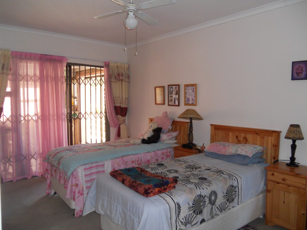 Townhouse for sale in Plattekloof ENT0027350 : photo#18