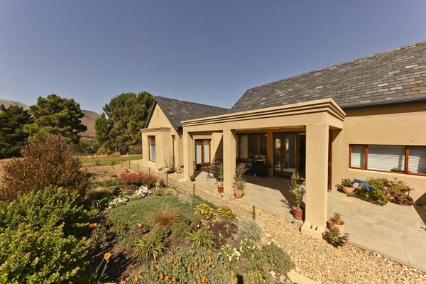 3 BedroomHouse For Sale In Wedderwill Country Estate