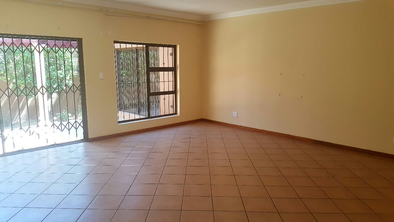3 Bedroom Townhouse for sale in Monument ENT0009694 : photo#1