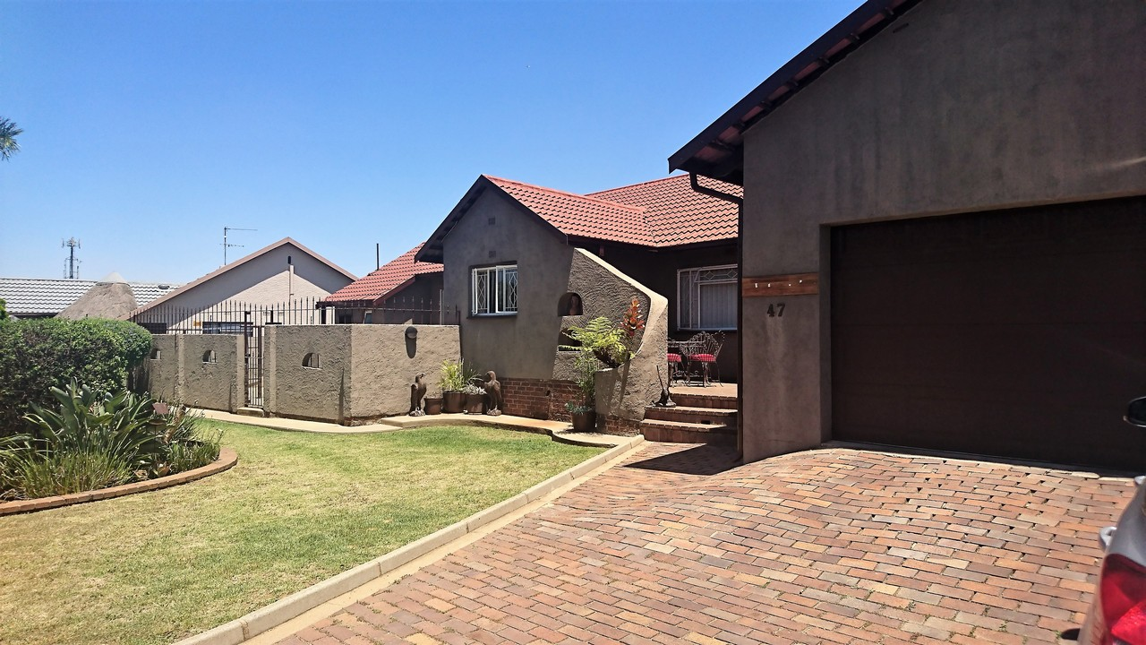 4 Bedroom House for sale in Brackendowns ENT0077760 : photo#21
