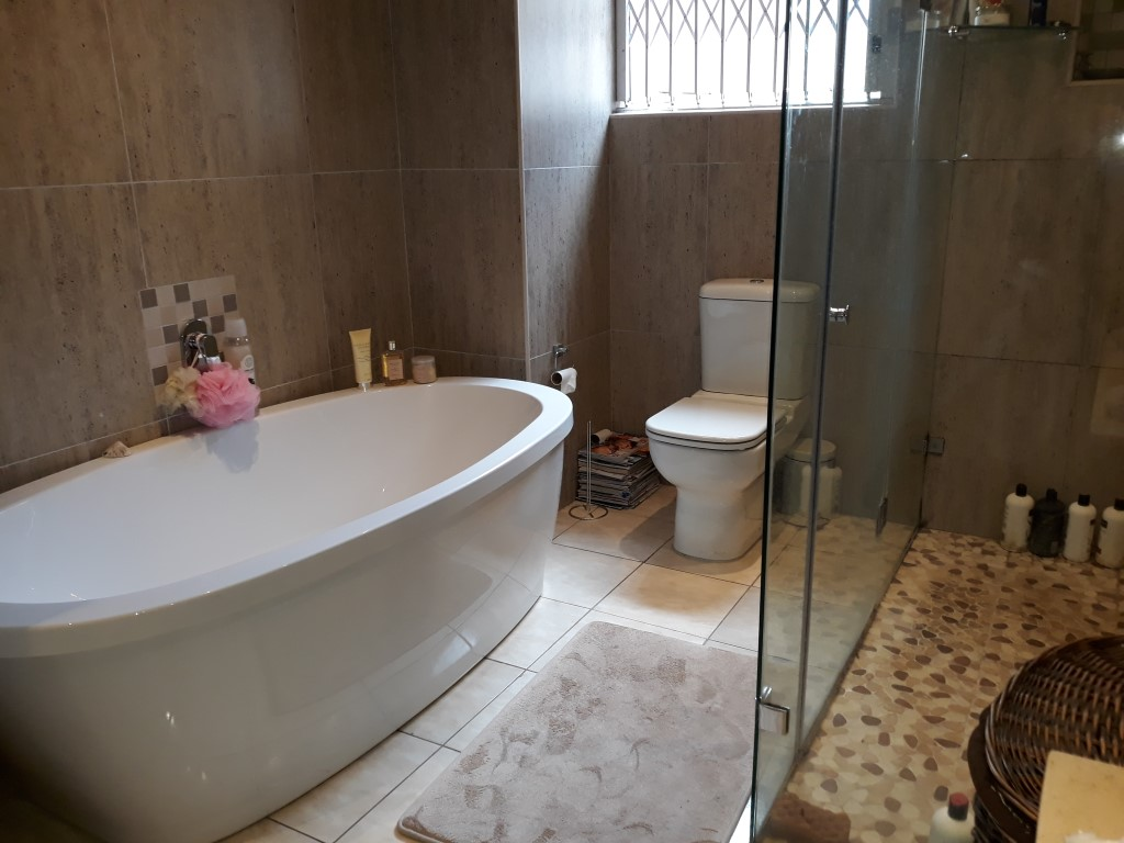 3 Bedroom House for sale in South Crest ENT0080475 : photo#13