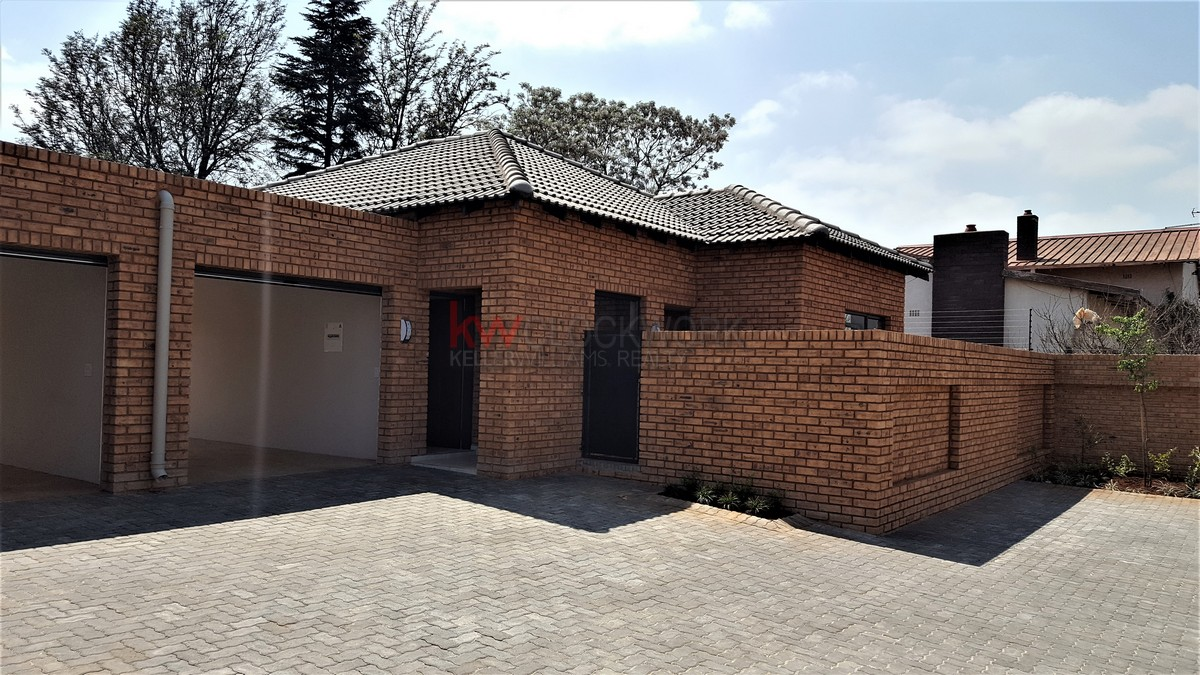 2 BedroomTownhouse For Sale In Albemarle