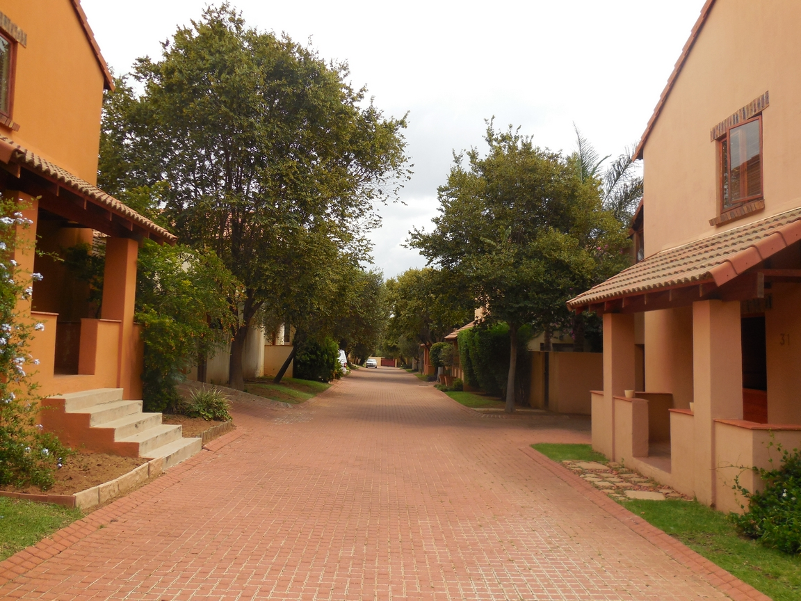 3 Bedroom Townhouse for sale in Erand Gardens ENT0084615 : photo#2