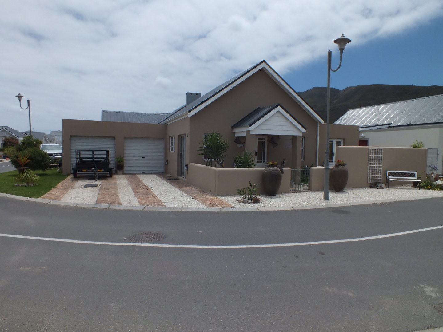 Very neat house for sale in Sandbaai