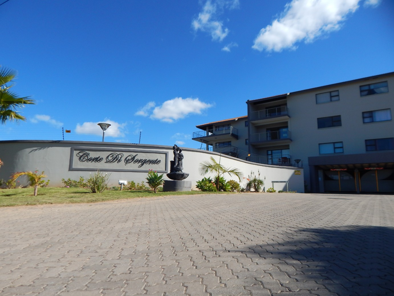 2 Bedroom apartment in Hartenbos up for the taking.
