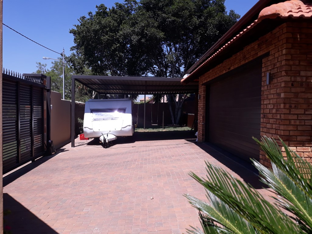 4 Bedroom House for sale in South Crest ENT0074549 : photo#8