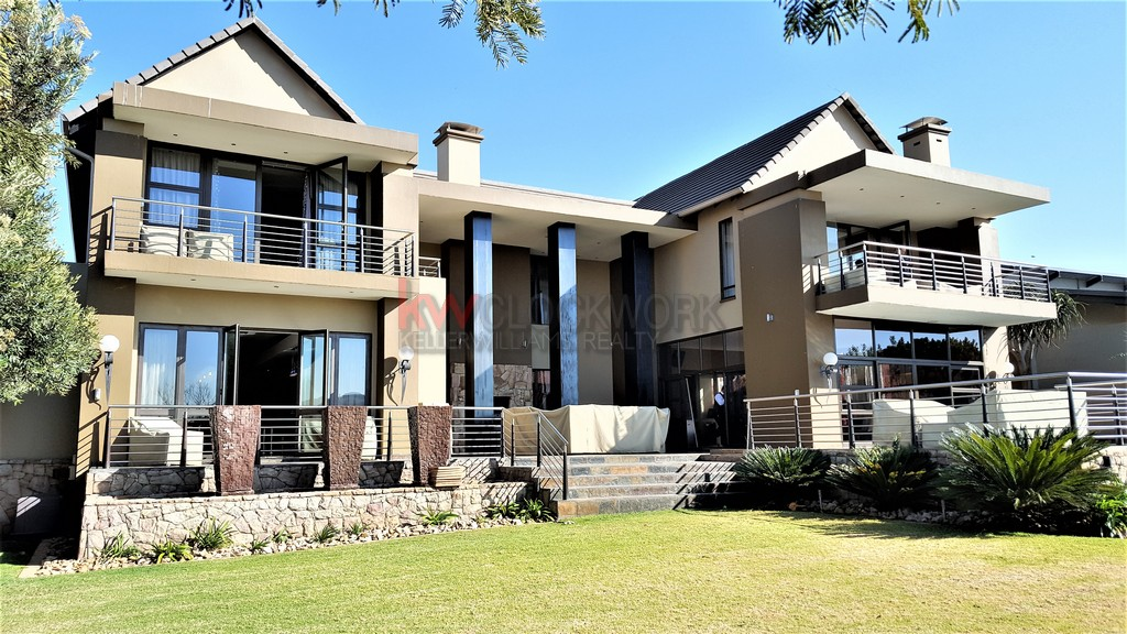 7 Bedroom Exquisite Master Piece in the Meyersdal Eco Estate.