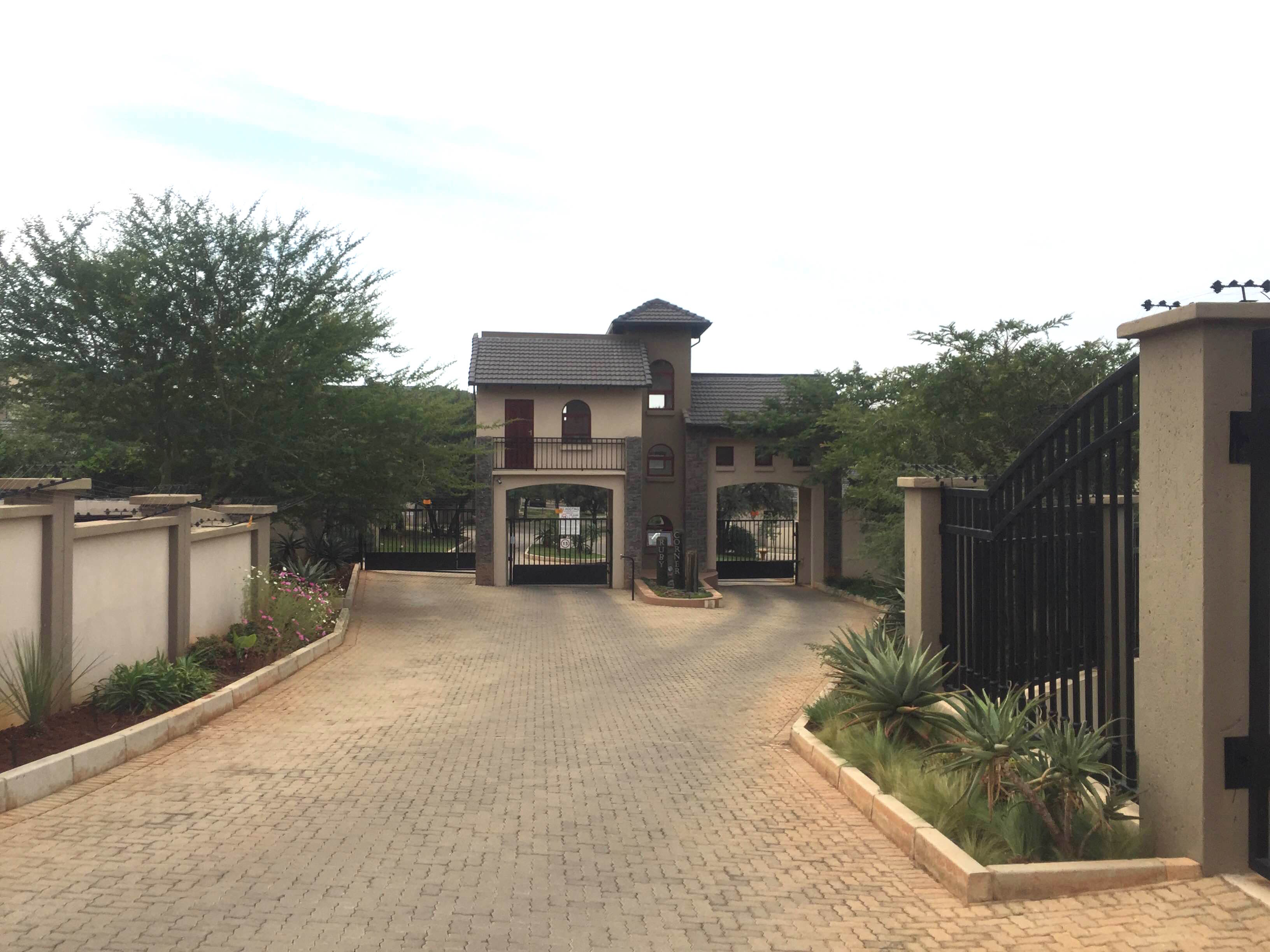 3 BedroomTownhouse For Sale In Homes Haven