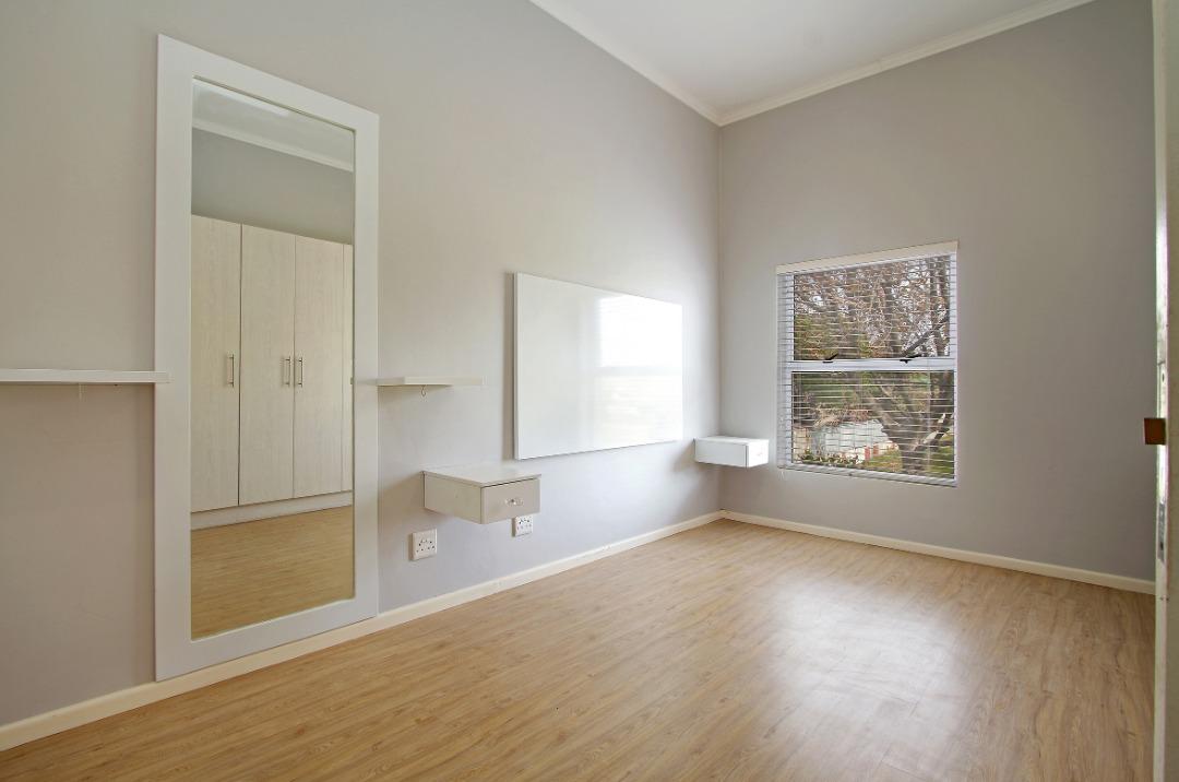 Main bedroom 4.jpeg