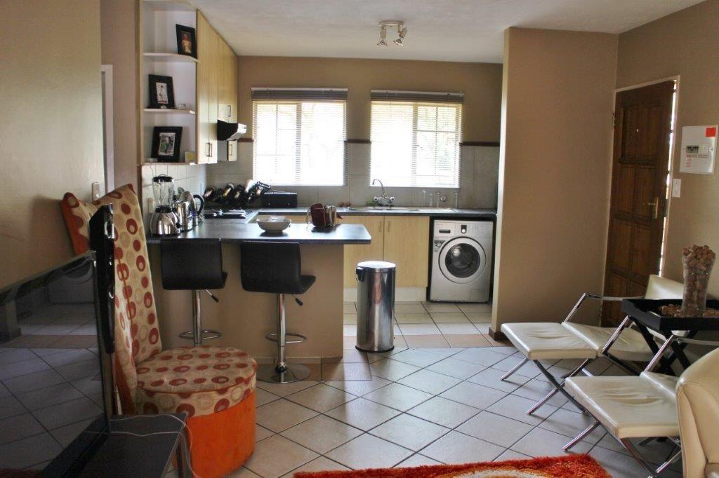 Ground floor, corner-unit apartment