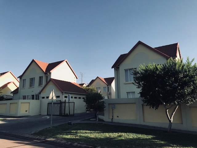 Standard Bank Easy Cell- 2 Bedroom free standing Duplex, with Garden For sale in Kosmosdal, City of Tswane