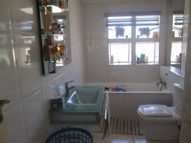 3 Bedroom Townhouse for sale in Bassonia ENT0072709 : photo#5