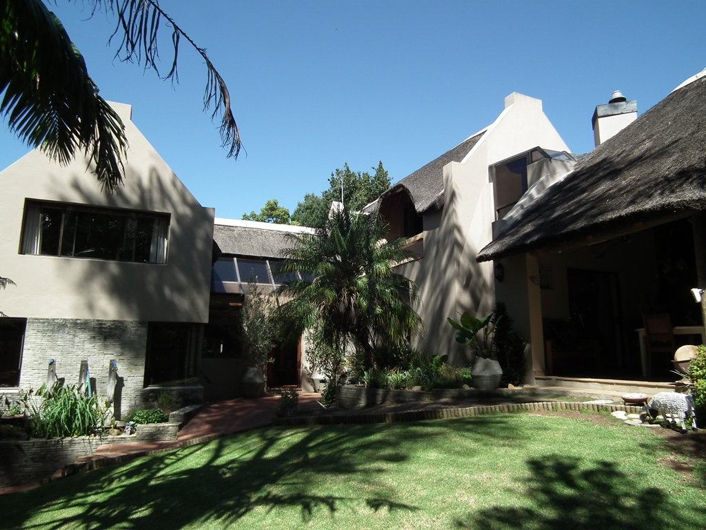 4 BedroomHouse For Sale In Golden Hill