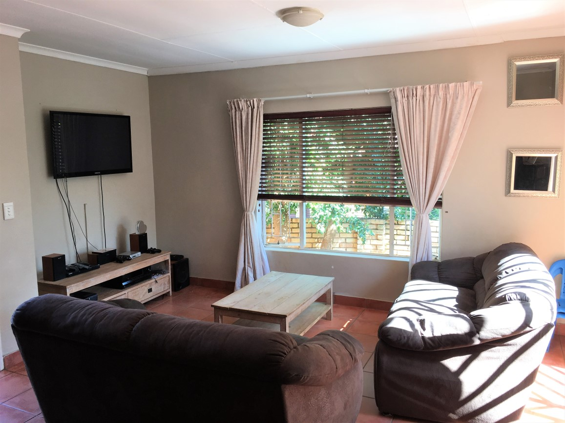 3 BedroomTownhouse For Sale In Wilgeheuwel