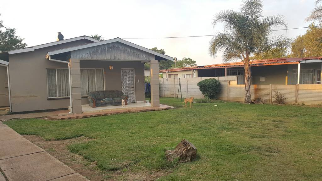 3 Bedroom House for sale in Claremont ENT0032465 : photo#0