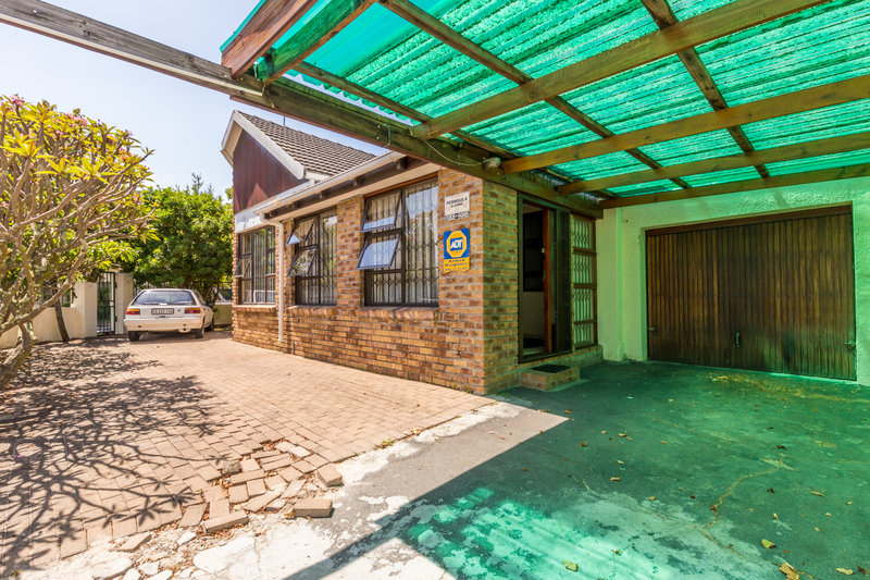 3 BedroomHouse For Sale In Claremont