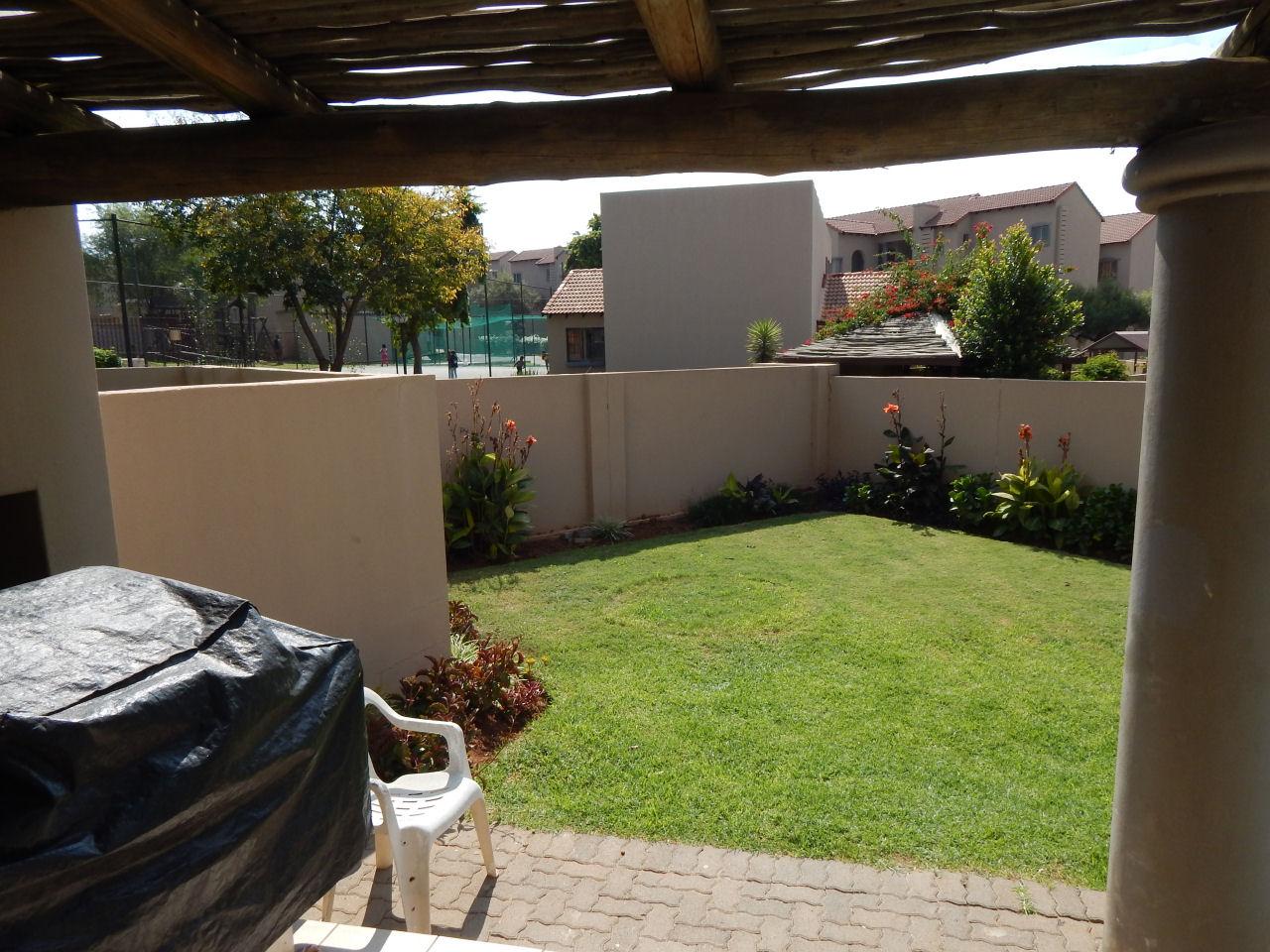 Secure 2 Bedroom Duplex with Pet Friendly Garden
