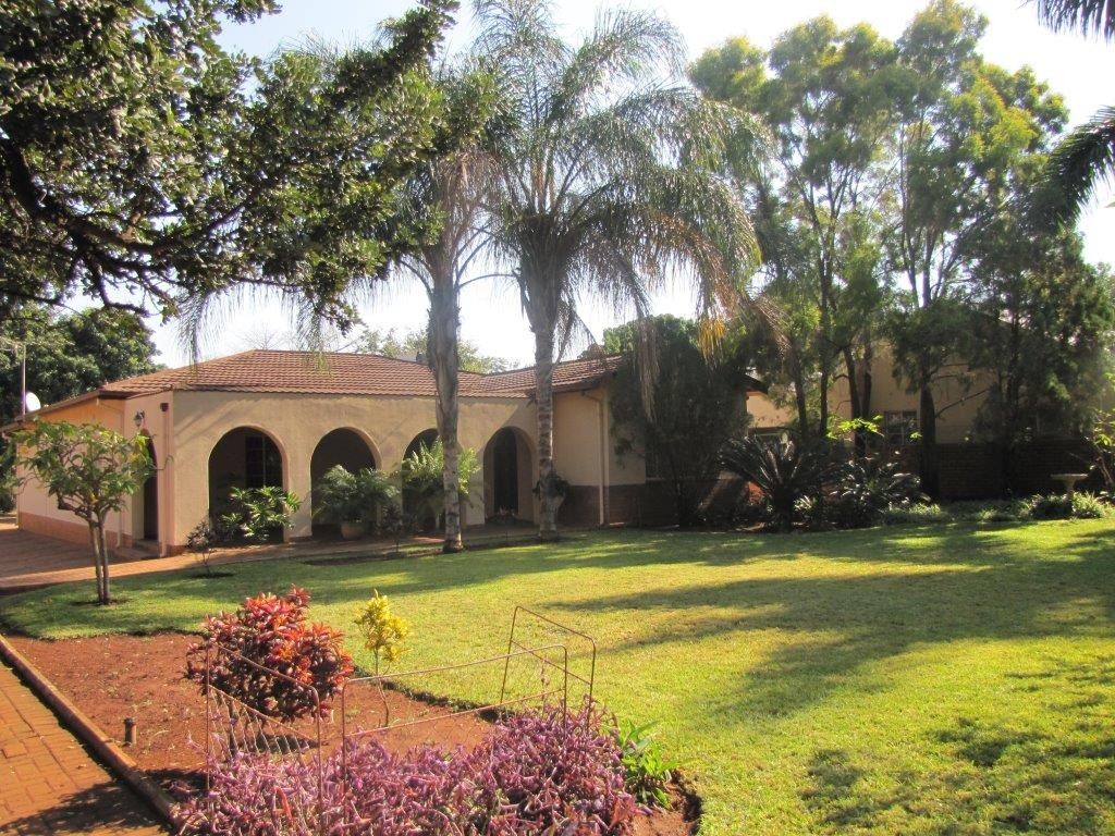 2231m² ERF Family Home walking distance from Voortrekker Hospital