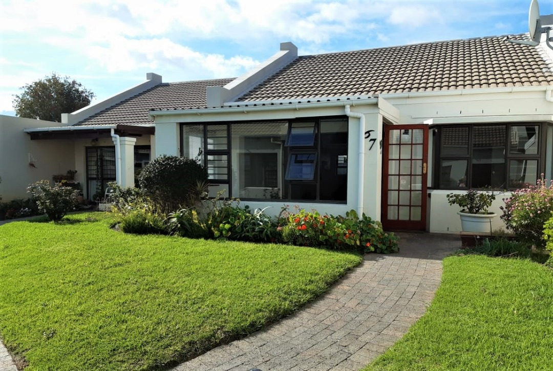 Lovely 2 Bedroom Townhouse for sale in Stormhaven Park Retirement Village