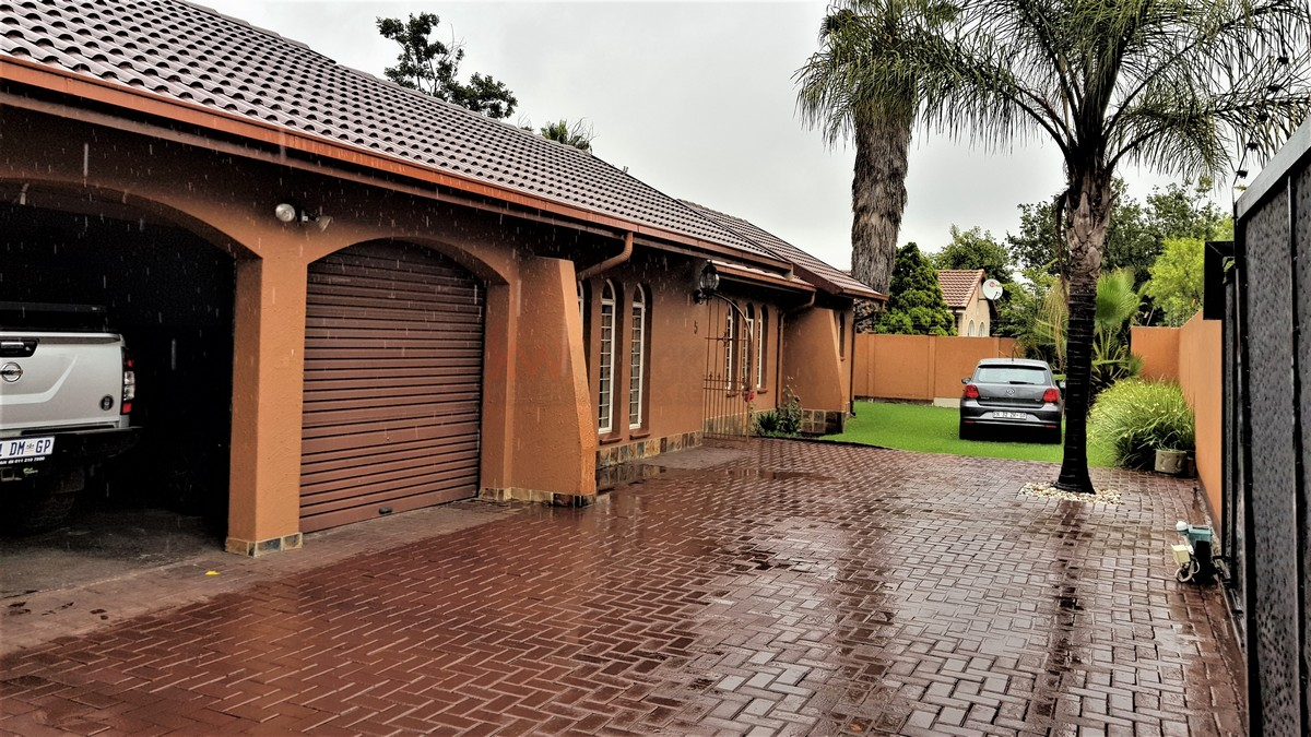 5 Bedroom House for sale in Randhart ENT0084983 : photo#0