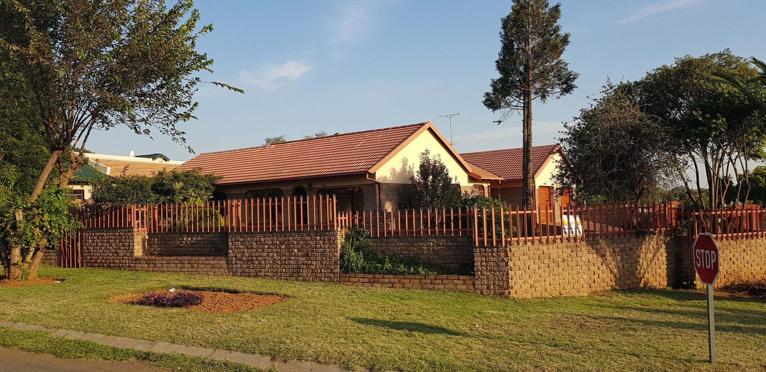 4 BedroomHouse For Sale In Greenhills