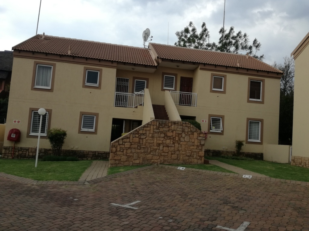 2 Bedroom Townhouse for sale in Sunninghill ENT0084557 : photo#4