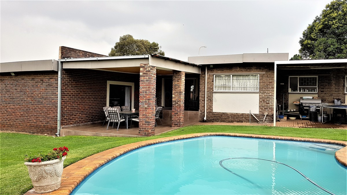 3 Bedroom House for sale in Verwoerdpark ENT0084386 : photo#1