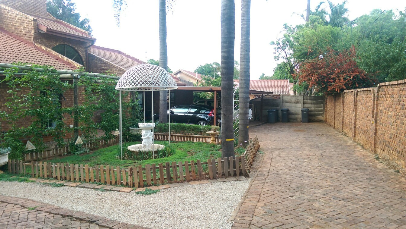 For the Extended Family 4 Bed + Flatlet